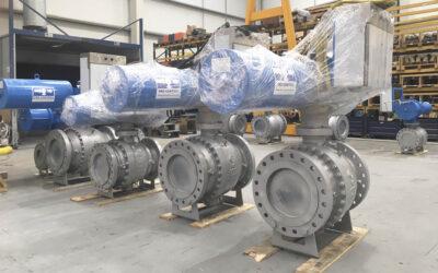 Ball valves with pneumatic actuator